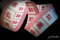 twenty-one (Pomediouda) Tags: measurment macromondays macro metro medir oscuro rojo numeros number ligh nikon d90 1855 meter