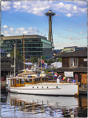 "Marian II (NoJuan) Tags: southlakeunion lakeuniondreamboat washingtonstate pacificnorthwest spaceneedle ""spaceneedle"" yacht seattlewa centerforwoodenboats microfourthirds micro43 mirrorless em1 olympusem1 45200mmpanasonicvario vario45200mm mvmarianii classicyachtassociation"