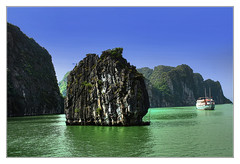 Quảng Ninh VN - Hạ Long Bay 20 (Daniel Mennerich) Tags: hạlongbay limestone karsts vietnam canon dslr eos hdr hdri spiegelreflexkamera slr