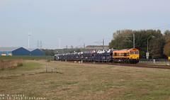 19-10-2018 Sloehaven  RFF hommel 561-05 met Gefco autotrein komt de Sloehaven binnen. (Richard Wielinga) Tags: 56105 sloe sloehaven rff spotter treinspotter europeanrailways netherlands nederland vlissingensloe freighttrain cargo spoorwegen treinen