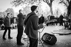 RmN @ Reveil18 (reinoutmetnevenwerking) Tags: 1november 2018 allerheiligen belgium fotofever nevenwerking rsl reinoutmetnevenwerking reveil reveil18 roeselare sonyalpha sonya7riii tomlefevere vanrsl begraafplaats kaarsen kerkhof muziekconcert poëzie
