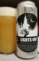 Lights Out (Pak T) Tags: glass american pale ale lightson can aluminumcan treehousebrewing massachusetts newengland beerporn beverage drink alcohol samsunggalaxys8 untappd