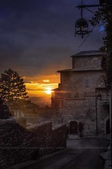 Assisi at sunset (Peppis) Tags: assisi umbria tramonto sunset bluehour orablu centrostorico hccity hcct peppis nikon giuseppecostanzo bestimageofitaly nationalgeographic