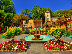 Portmeirion, Gwynedd, Wales (photphobia) Tags: portmeirion gwynedd wales uk greatbritain oldwivestale italianstyle oldvillage tourist holiday northwales architecture buildings