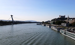 7 (grushechka) Tags: bratislava slovakia tourism cityview river waterway bridge building architecture autumn2018