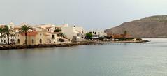 De la jetée, Fornells (Raymonde Contensous) Tags: espagne baléares minorque menorca fornells esmercadal port mer architecture ville village paysage