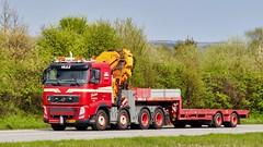 DW13857 (18.05.02, Motorvej 501, Viby J)DSC_5579_Balancer (Lav Ulv) Tags: 245897 knudgade volvo volvofh fh3 2012 fh460 e5 euro5 red 8x4 lowloader blokvogn broshuistrailer loadingcrane læssekran truck truckphoto truckspotter traffic trafik verkehr cabover street road strasse vej commercialvehicles erhvervskøretøjer danmark denmark dänemark danishhauliers danskefirmaer danskevognmænd vehicle køretøj aarhus lkw lastbil lastvogn camion vehicule coe danemark danimarca lorry autocarra danoise vrachtwagen motorway autobahn motorvej vibyj highway hiway autostrada trækker hauler zugmaschine tractorunit tractor artic articulated semi sattelzug auflieger trailer sattelschlepper vogntog oplegger