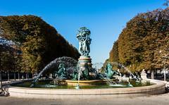 fontaine de l'observatoire (mala_wi) Tags: fontaines paris couleurs monuments