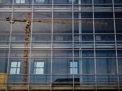 Flyover Layers (katrin glaesmann) Tags: hannover niedersachsen lowersaxony architecture crane reflection fassade hochstrase glas