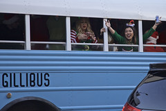 Gillibus (Generik11) Tags: people xmas santacon costumes santaclaus holiday booze pubcrawl santacon2018 sf bus