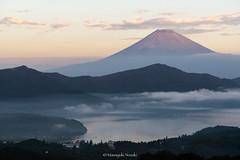 富士山 Mt.Fuji (Masayuki Nozaki) Tags: fuji fujiyama fujisan landscape mountain lake sky clouds haze autumn japan sony 富士山 箱根