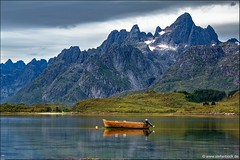 Tengelfjord Lofoten Norway (Stefan Bock) Tags: lofoten norway norwegen landscape landschaft travel reise natur nature nopeople traveldestinations beautyinnature tengelfjord boat boot reflection water fjord silence ruhe