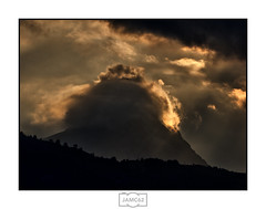 Peñamellera 2 (Jose Antonio. 62) Tags: spain españa asturias peñamellera clouds nubes backlight contraluz