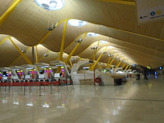 (sftrajan) Tags: barajas airport madrid spain architecture luisvidal arquitectura aeropuerto antoniolamela richardrogers terminal4 españa aeroporto aéroport 空港