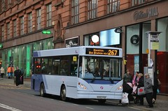 First Glasgow EG52 FGE (43857) | Route 267 | Stockwell St, Glasgow (Strathclyder) Tags: first glasgow firstglasgow dennis transbus dart slf salvador caetano nimbus silmbus eg52fge eg52 fge 43857 stockwell street scotland olympiarevised blantyre connex jersey j101721 221 firstessex firstkernow