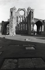 Elgin Cathedral, Elgin, Scotland (AJH_1) Tags: kodak tmax 400 35mm olmypus om1 50mm september 2018 scotland monochrome bw blackandwhite elgin cathedral highlands
