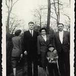 Archiv R340 Spaziergang, 1950er thumbnail
