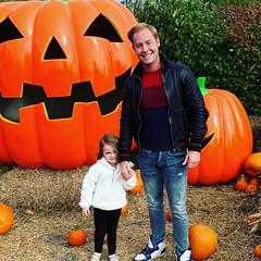 Ryan Eagle (Ryan Eagle Fan) Tags: daughter dad dadbod daddy daddydaughter fatherhood parent child pumpkin pumpkinpatch fall halloween seasons chicago blessed inlove love loveher