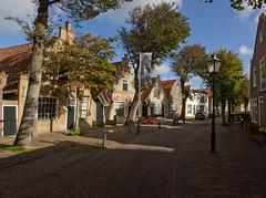 West-Terschelling - Commandeurstraat (grotevriendelijkereus) Tags: terschelling netherlands nederland holland friesland wadden waddeneiland eiland island street straat road village town dorp