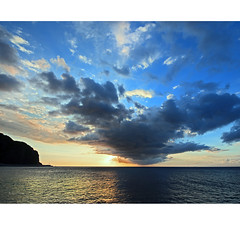 Cloudscape (Robyn Hooz) Tags: reunion mare oceano indiano isola nuvole clouds line dream horizon sud south tropical