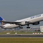 United Airlines Boeing 767-322(ER)(WL) N659UA thumbnail