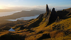 Sunrise, Old Man of Storr, Isle of Skye (JinxiPhotography) Tags: old man storr isle skye island morning sunrise sun golden mountain rock shape sea clouds yellow scotland highland autumn colours colour lake loch pond reflection hill dramatic drama