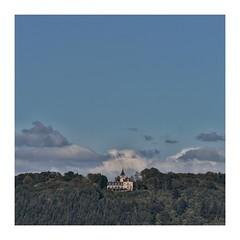 Den Wolken so nah (heinrich_511) Tags: forest inthewoods green colours firstdaysofautumn sunnyday 2kilometer kockelsberg berghotel f71 300mm römerstadt aufderhöhe trier tamron45670300mmdivcusd nikond750
