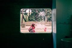 Femme dans un hublot cassé (herbdolphy) Tags: analogique argentique analog pellicule film filmisnotdead 35mm kodak portra 400 pentax p30n 50mm corbusier woman