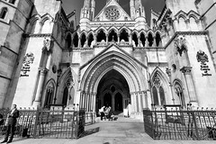 The Royal Courts Of Justice (MKHardyPhotography) Tags: london street mkhardy royal courts justice blackandwhite