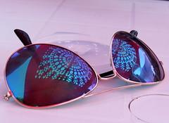 reflexo oculista (Américo Meira) Tags: portugal lisboa reflexo óculos