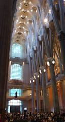 La Sagrada Familia - 20170605_103931 (406highlander) Tags: basílicaitempleexpiatoridelasagradafamília sagradafamília sagradafamilia gaudi basilica church barcelona catalonia spain antonigaudi antonigaudí column indoor people architecture lgg4 lgh815