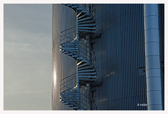 Wendeltreppe (K.Rahn) Tags: arbeit architektur ausentreppe backgrounds bau bauen baustelle blech brandschutz drausen eisen fabrik fassade feuertreppe feuerverzinkt gefahr gerüst gitter industrie brauerei edelstahl geländer horizontale klettern konstruktion kraftwerk krahn metall metallbau mustern niemand raffinerie röhren schlosserei spiralförmig stahl stahlbau stahltreppe strukturen stütze säule tank trapezblech treppe treppengeländer treppenhaus treppenstufen turm wand wellblech wendeltreppe linien
