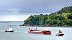 SD Faitful and convoy (PAUL YORKE-DUNNE) Tags: rtamar plymouth tugs harbour barge mountwise uk