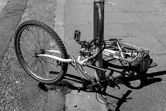 © Zoltan Papdi 2018-5803 (Papdi Zoltan Silvester) Tags: édimbourg réel rue vie gens humain voyage journalisme real street life people human trip journalism paysage vue pointdevue landscape view pointofview groupe group bicycle bike cycling motorcycle cyclist bicyclelane cycle biker motorbike bikeriding