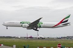 A6-ENB | Emirates | Boeing B777-31H(ER) | CN 41075 | Built 2012 | DUB/EIDW 10/09/2018 | Expo 2020 - Green Bubbles (Mick Planespotter) Tags: aircraft airport 2018 nik sharpenerpro3 dublinairport collinstown a6enb emirates boeing b77731her 41075 2012 dub eidw 10092018 expo 2020 green bubbles flight b777