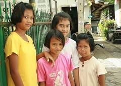 girls (the foreign photographer - ฝรั่งถ่) Tags: girls children khlong thanon portraits bangkhen bangkok thailand canon