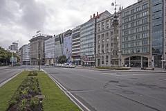 Cantón Grande, A Coruña (Miguelanxo57) Tags: calle avenida edificios centrourbano obelisco cantones cantóngrande acoruña galicia