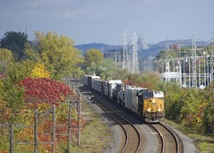 CN 327 (Michael Berry Railfan) Tags: csxt954 csxt498 csx csxt kingstonsub beaconsfield montreal quebec train freighttrain ge generalelectric gevo es44ac ac4400cw es44ah