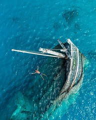 43330882_895915033936951_7267156873716874500_n (ylcngzst) Tags: travel travelling traveller instagram sea holiday ship blue swim