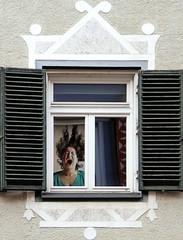 La casa dalle finestre che ridono (Mattia Camellini) Tags: brunico altoadige sudtirolo italia mattiacamellini canoneos7d canonefs18135mmf3556is windows finestra risata laughing