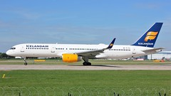 TF-FIC (AnDyMHoLdEn) Tags: icelandair 757 egcc airport manchester manchesterairport 23l