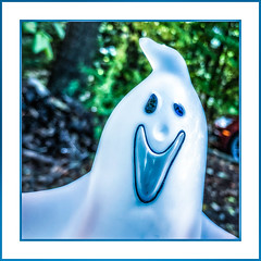 Casper's Cousin Claude (Timothy Valentine) Tags: 2018 glass 1018 friendly halloween macromonday trickortreat home ghost eastbridgewater massachusetts unitedstates us