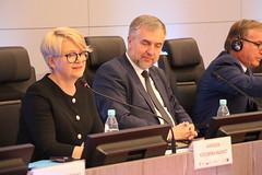 Agnieszka Kozłowska-Rajewicz obok marszałka Marka Woźniaka