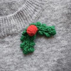 Holly (Knitting patterns by Amanda Berry) Tags: holly free leaf leaves berry berries christmas xmas festive ornament decoration topper knit knits knitted knitter knitters knitting pattern patternsravelry amanda fluff fuzz crafts crafting makes makers making handmade pdf dk yarn hayfield sirdar