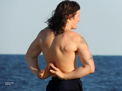 Asbury Park, New Jersy  9-31-18 (local1256) Tags: asburypark shirtless newjersey jerseyshore beach candid portrait water waves yoga yogainstructor pecs pectorals abs