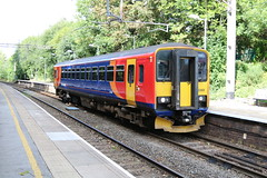 East Midlands Trains 153368 @ Kidsgrove (uksean13) Tags: 153368 eastmidlandstrains kidsgrove train transport railway rail canon 760d ef28135mmf3556isusm