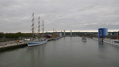 Une promenade sur les quais de Rouen (jeanlouisallix) Tags: rouen seine maritime haute normandie france fleuve rivière berge bateaux port voiliers voilier grands grand mir croisière