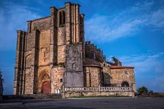 Santa María. (Castro Urdiales) (<María>) Tags: cielo sky nubes iglesia monumento pidra arquitecura