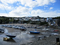 New Quay, Wales at low tide (pefkosmad) Tags: newquay wales ceredigion cardiganbay seaside resort fishing town ceinewydd dolphinwatching
