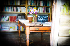 The Book Nook (judy dean) Tags: gardens autumn hidcote 2018 judydean lensbaby bookshop